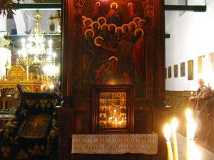 Λειτουργία τη Μεγάλη Εβδομάδα στο Δίλοφο στα Ζαγοροχώρια, Μάιος 2013