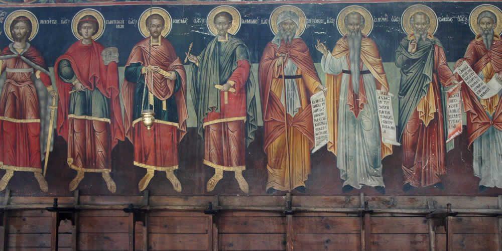 Τρισύνθετη εκκλησία τού 18ου αιώνα αφιερωμένη στους: Αγ. Τριάδα, Αγ. Γεώργιο και Αγ. Δημήτριο - με εξαιρετικές αγιογραφίες και ξυλόγλυπτα