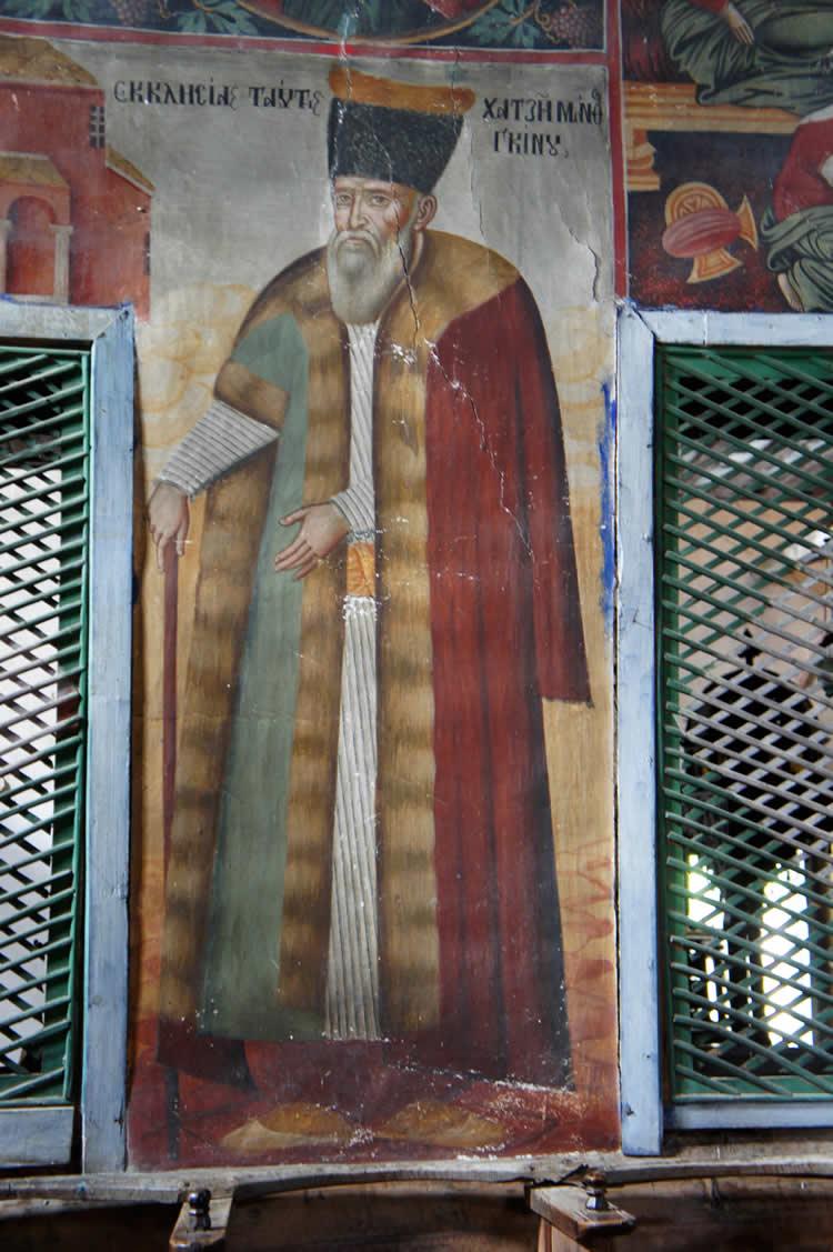 Κτήτορας τού Ι.Ν. Αγ. Γεωργίου Νεγάδων μαρτυρείται ο διαπρεπής έμπορος Ματθαίος Γκίνου, ο οποίος κατοικούσε στις παραδουνάβιες περιοχές