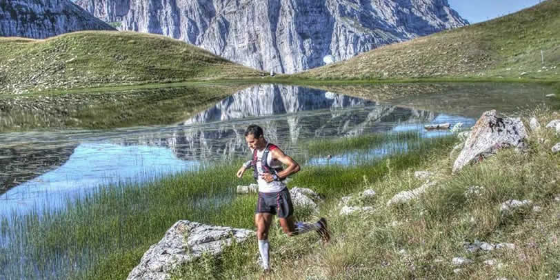 """Οι λάτρεις του βουνού δίνουν και φέτος ραντεβού στον κορυφαίο αγώνα ορεινού τρεξίματος! Τα απάτητα μονοπάτια της Τύμφης και η μοναδική φύση του Ζαγορίου σας προσκαλούν να την ανακαλύψετε! """"The North Face Zagori Mountain Running 2015"""""""