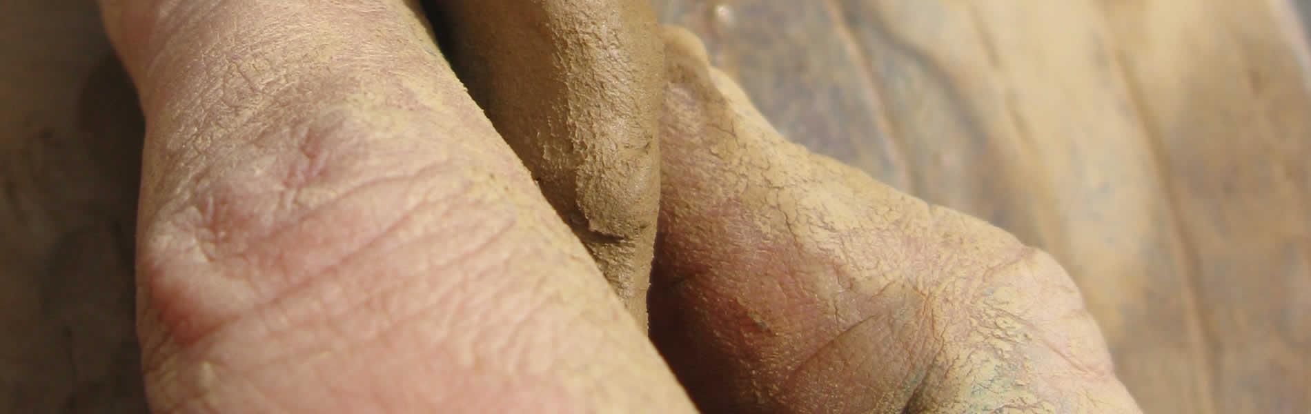"""Μάθημα αγγειοπλαστικής στα πλαίσια τής διοργανώσεως """"Ευρωπαϊκές μέρες χειροτεχνίας"""" με τη Μαρίβα"""