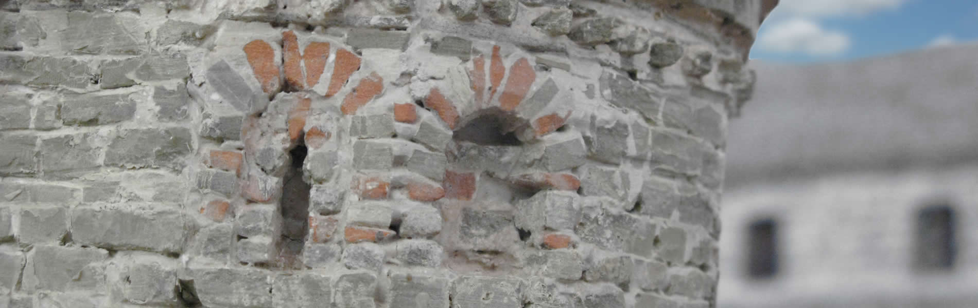 Δημιουργίες πέτρινων έργων (τοξοτά γεφύρια, εκκλησίες, σπίτια κ.λ.π.) σε μικρογραφία. Ανδρέας Τέφος